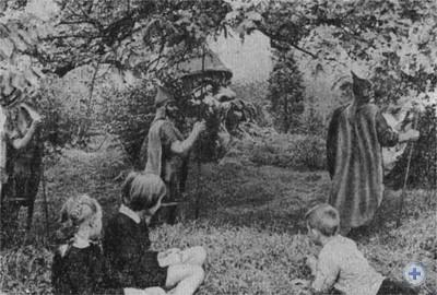 Уголок сказок в детском парке Симферополя. 1970 г.