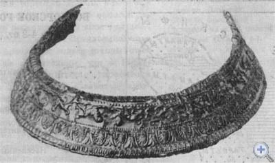 Золотая диадема и золотые серьги из скифского погребения IV в. до н. э., обнаруженные в кургане «Три брата» в Керчи.