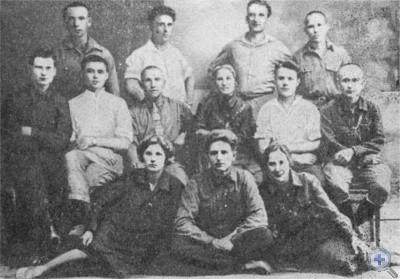 Участники подписания договора на социалистическое соревнование между Покровским и Гуляйпольским районами.