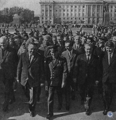 Герой Советского Союза летчик-космонавт Г. С. Титов в гостях у николаевцев. 1967 г.