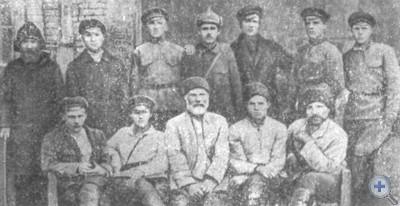 Члены комнезама села Степановки, 1920 г.