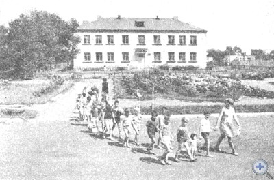Детский сад в селе Златоустовке, 1974 г.