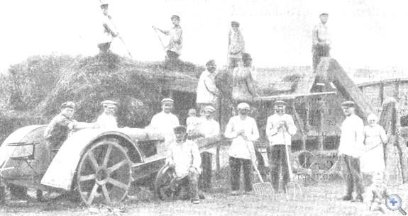 Молотьба в Криворожской коммуне, 1924 г.