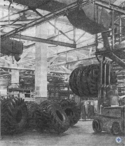 На Днепропетровском шинном заводе. 1977 г.