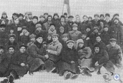 Группа бойцов и командиров 1-го повстанческого полка, принимавшая участие в освобождении Павлограда от австро-германских оккупантов. 1918 г.