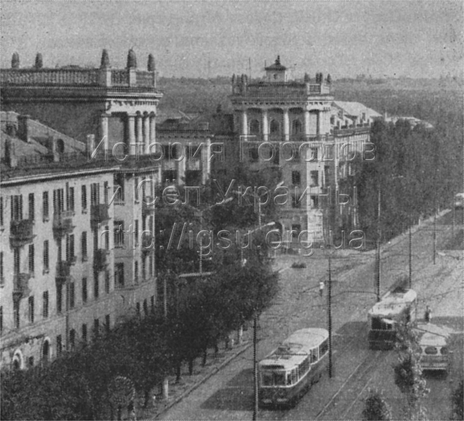 Улица Шкирятова в поселке ЮГОКа. 1976 г.