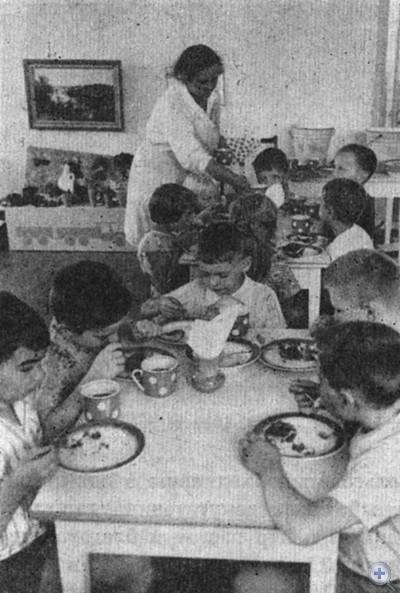 В Кривоозерском детском саду. 1980 г.