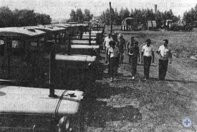 На практических занятиях в сельском профессионально-техническом училище № 8. Кривое Озеро, 1980 г.